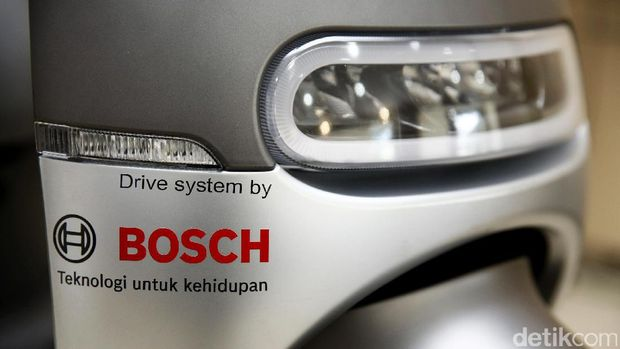 Motor menggunakan sistem penggerak dari Bosch