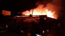 Gudang Sembako dan Rumah Warga di Solo Terbakar, 8 Damkar Dikerahkan