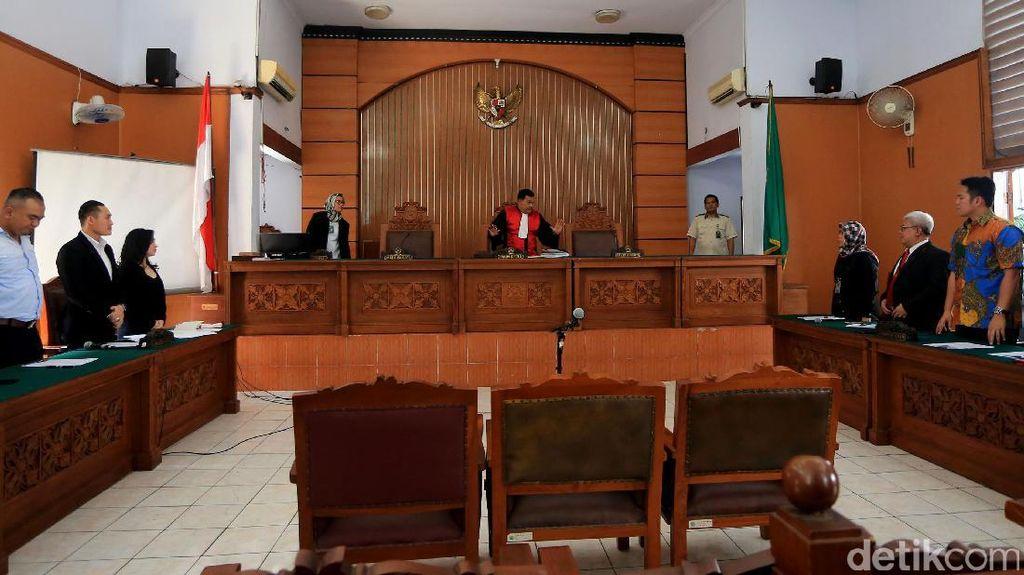 Hakim Nyatakan KPK Berwenang Adili Perkara Dugaan Saksi Palsu