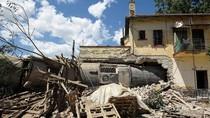 Kereta Anjlok Timpa Rumah di Yunani, Tiga Orang Tewas