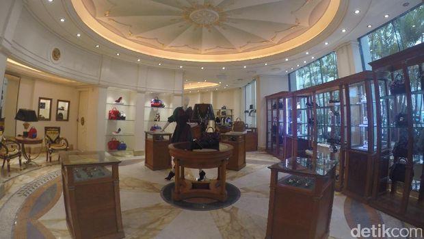 Butik Versace di dalam hotel (Fitraya/detikTravel)