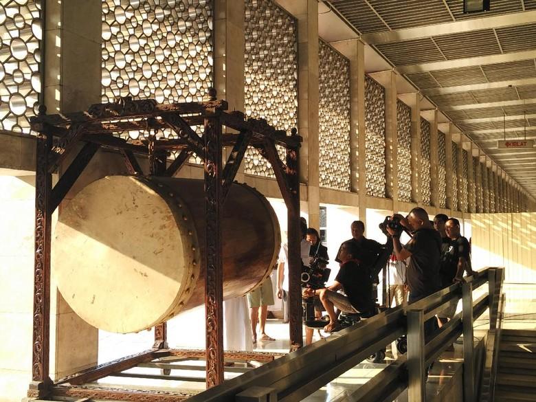 Di Balik Pembuatan Film Guru Ngaji & Badut Maksimal di Masjid Istiqlal