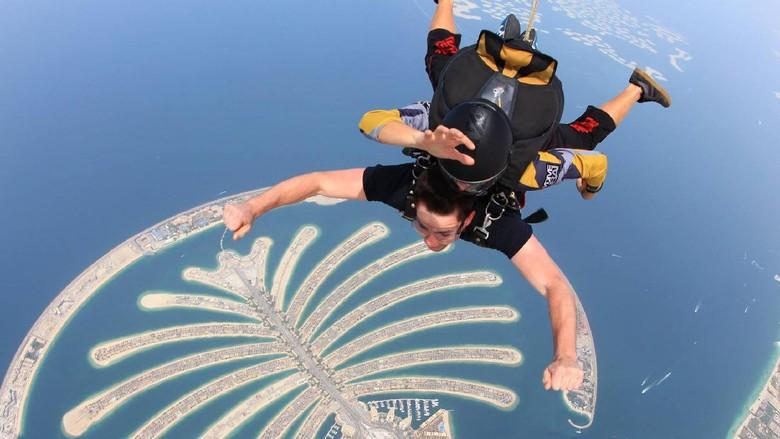 Foto: Skydiving di Palm Jumeirah, Dubai (Skydive Dubai)
