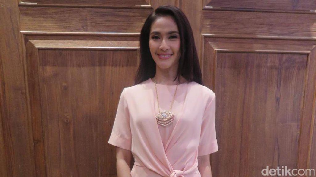 Maudy Koesnaedi Pakai Perhiasan karena Makna Bukan Harganya