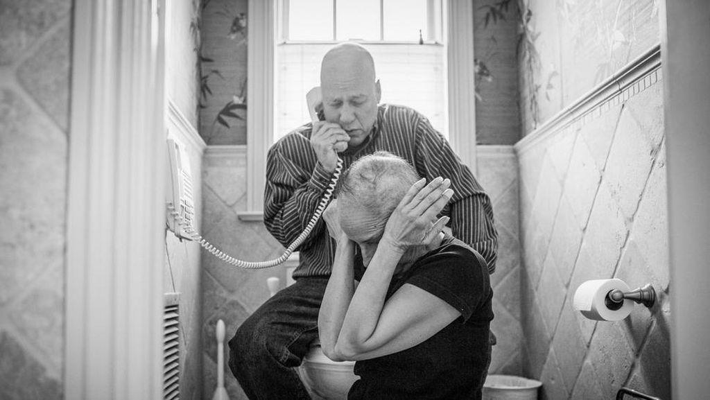 Potret Haru Kebersamaan Pasutri yang Idap Kanker