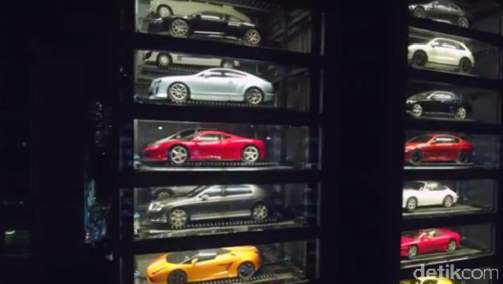 Vending Machine Raksasa yang Menampung 60 Mobil