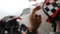 Kata Pembaca Tentang Kebiasaan Merokok Sambil Naik Motor