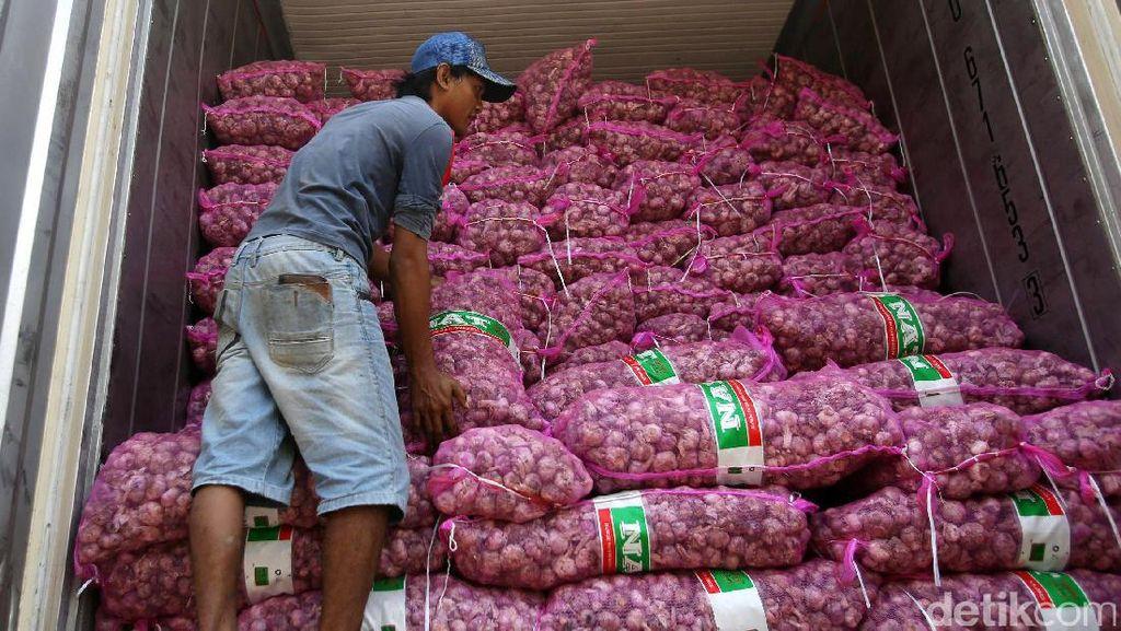 80 Ton Bawang Putih Masuk Pasar Kramat Jati Pasca Terbakar