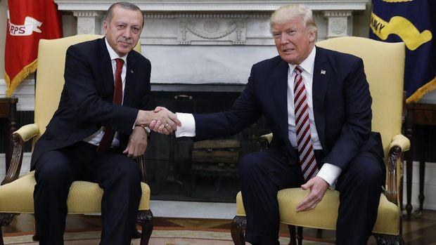 Erdogan dan Trump bersalaman di Gedung Putih