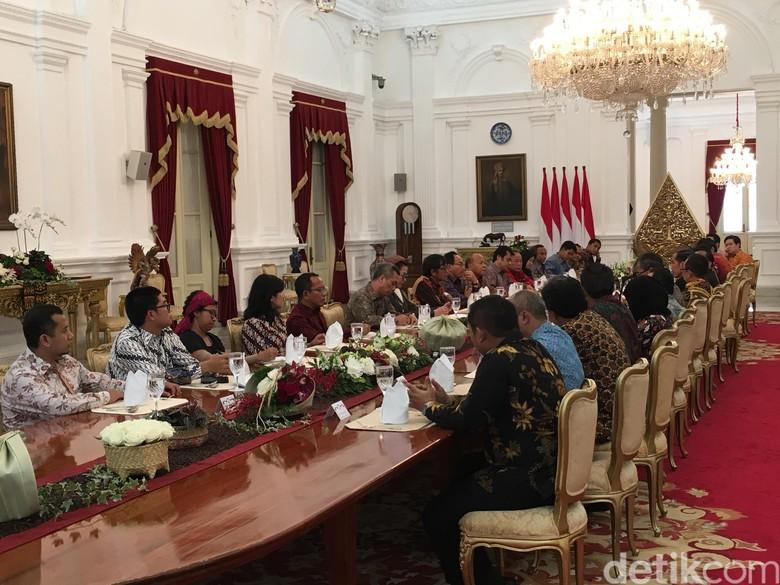 Jokowi: Orang Lain Sudah Bicara Mobil Fantasi Masa Depan, Kita…