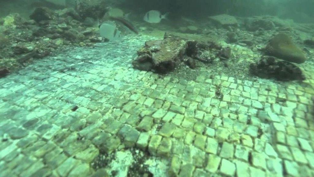 Cerita Kota Hedonis yang Tenggelam di Italia