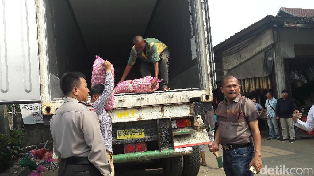 Satgas Pangan Kota Bogor Sidak Gudang Bawang Putih Impor