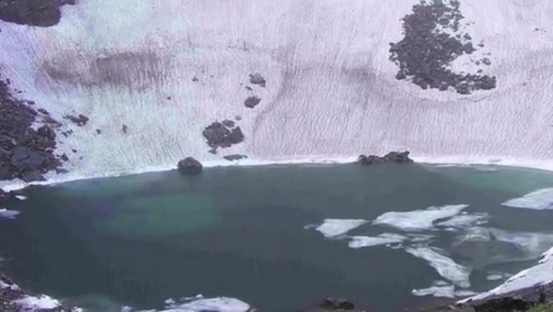 Danau Rookpun dari ketinggian (Asith Mohan Mangalore/Youtube)