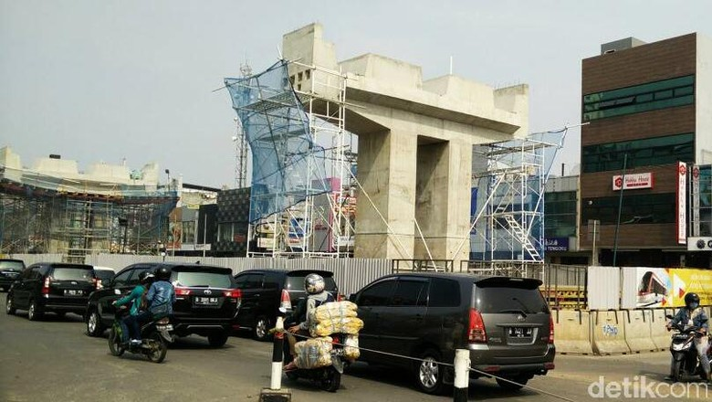 Konstruksi Utama LRT Jakarta Rampung Agustus 2018