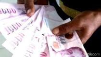 Pramusaji Stasiun Kroya Temukan Uang Puluhan Ribu Dolar Singapura