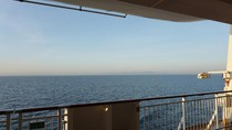 Lihat Sunrise dari Kapal Pesiar, Seperti Apa Ya?