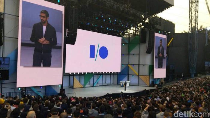 CEO Google Sundar Pichai saat membuka Google I/O 2017. Foto: Rachmatunnisa/detikINET