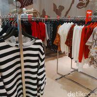 Brand Lokal Diskon Hingga 50% di Sogo, Atasan Mulai dari Rp 73 Ribu