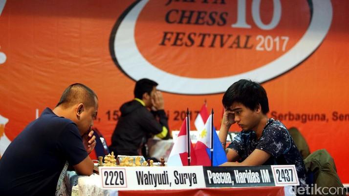 Pascua Haridas Kokoh di Puncak Klasemen Japfa Chess Festival