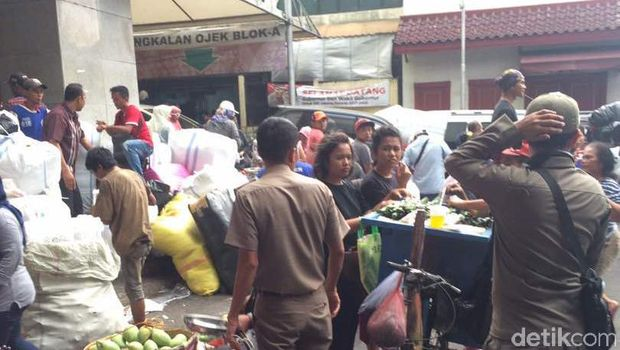 Penertiban PKL di Tanah Abang