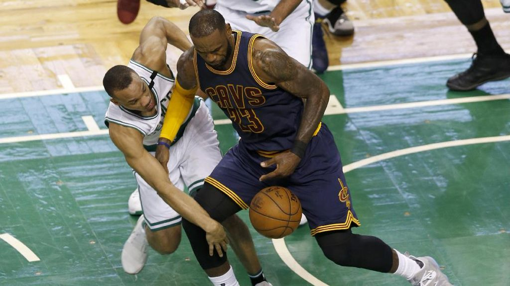 James dan Love Bawa Cavs Kalahkan Celtics