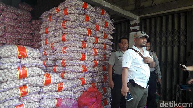 Satgas pangan sidak bawang putih di Bogor