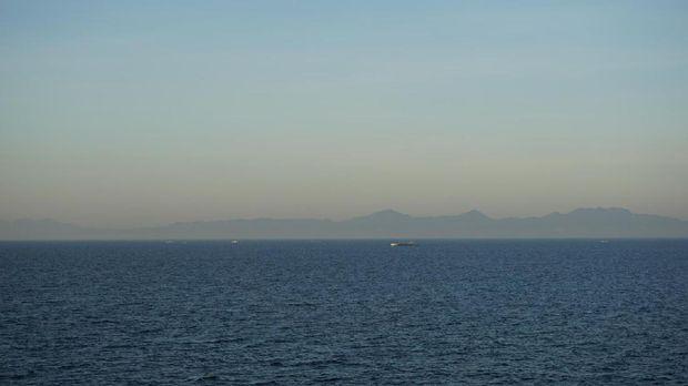 Horizon Kota Manila dan sekitarnya mulai tampak