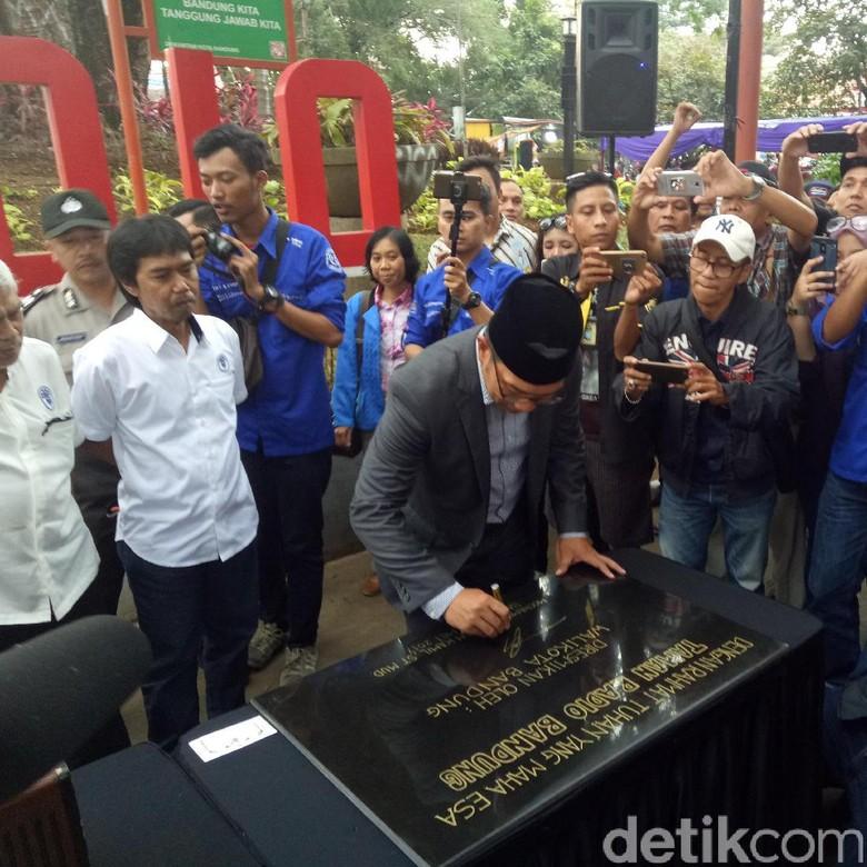 Ridwan Kamil Minta Radio di Bandung Siaran Bahasa Sunda dan Inggris