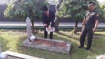 Peringati Harkitnas, Menkominfo Tabur Bunga di TMP Kalibata