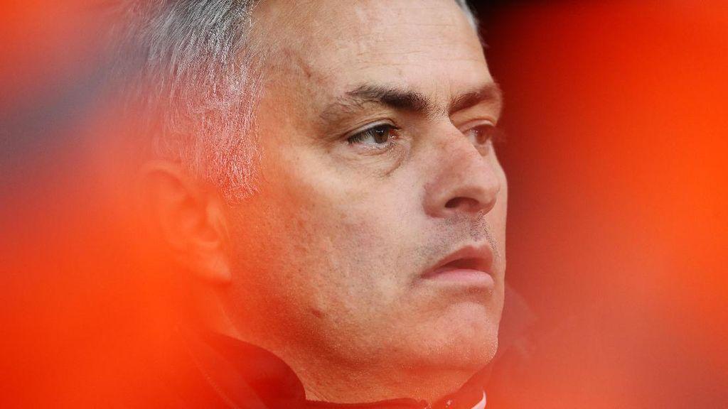 Mourinho Merasa Kecil di MU