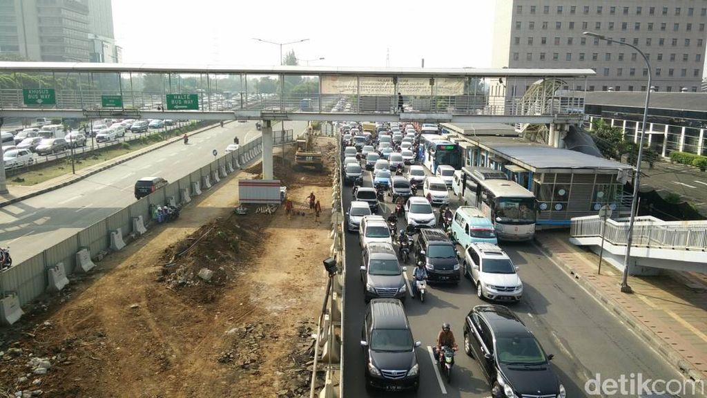 Pembangunan LRT Jabodebek Sudah Sampai MT Haryono