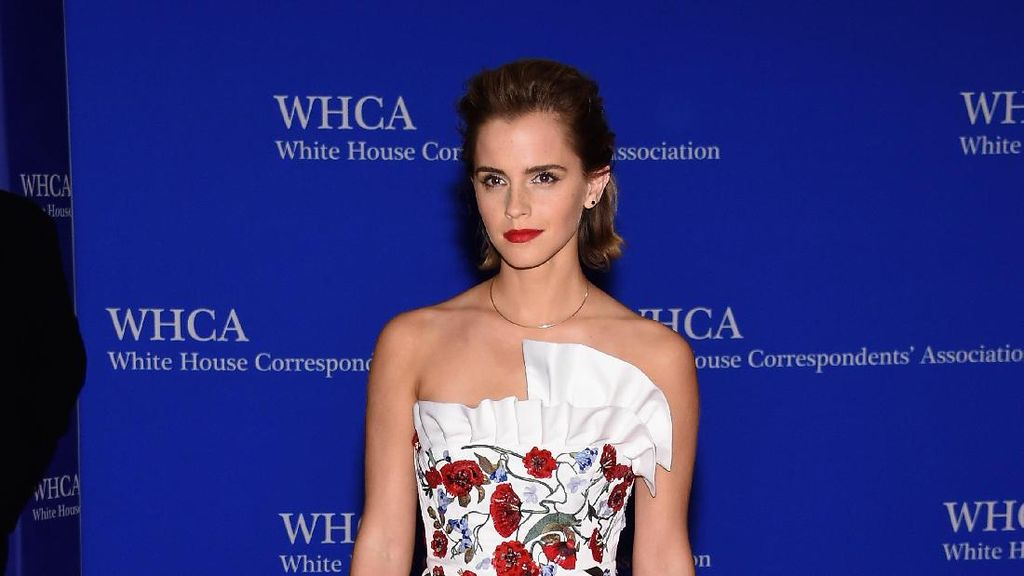 Foto: 15 Penampilan Memesona Emma Watson