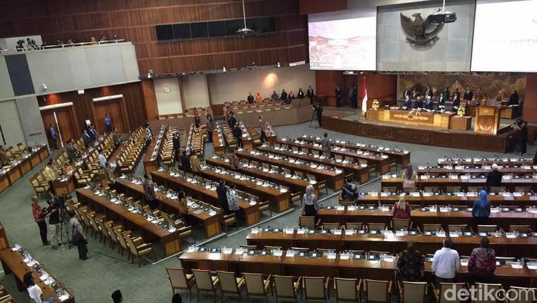 428 Anggota DPR Tak Hadir di Paripurna Laporan BPK