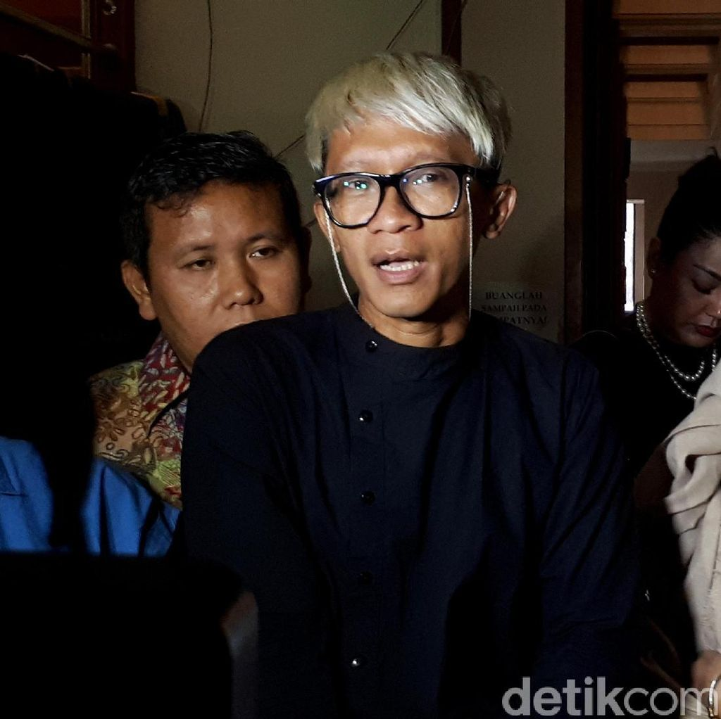 Evelyn Mulai Pasrah, Aming Mantap Berpisah