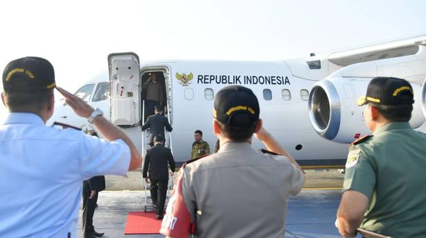Presiden Jokowi menuju Kepri dengan menggunakan pesawat kepresidenan dari Lanud Halim.
