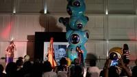 Bola Mata Wedhar Riyadi di Art Jog 10 Tampil Ngepop dan Gigantik