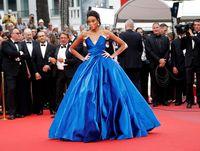 Foto: Model Berkulit Belang Curi Perhatian di Red Carpet Cannes