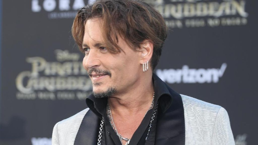 Johnny Depp dan Javier Bardem Bergabung dalam Dark Universe