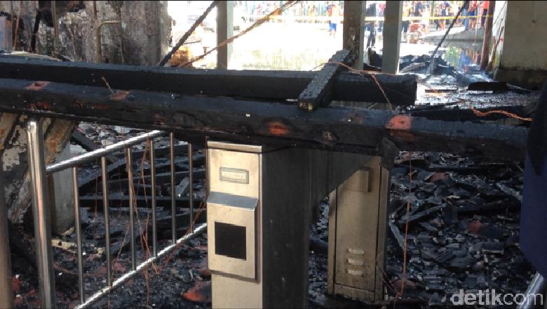 Begini Penampakan Stasiun Klender yang Hangus Dilalap Api
