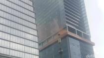 Ada Simulasi Kebakaran di Gedung Cyber 2, Lalin Rasuna Said Macet