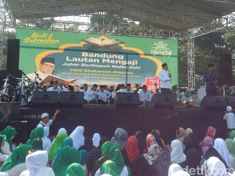 Ribuan Jamaah Ikuti Bandung Lautan Mengaji
