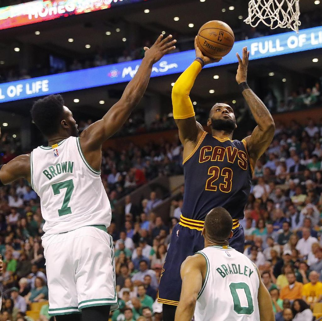 LeBron James Bawa Cavs Lumat Celtics