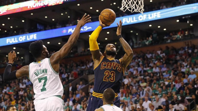 LeBron James Bawa Cavs Lumat Celtics