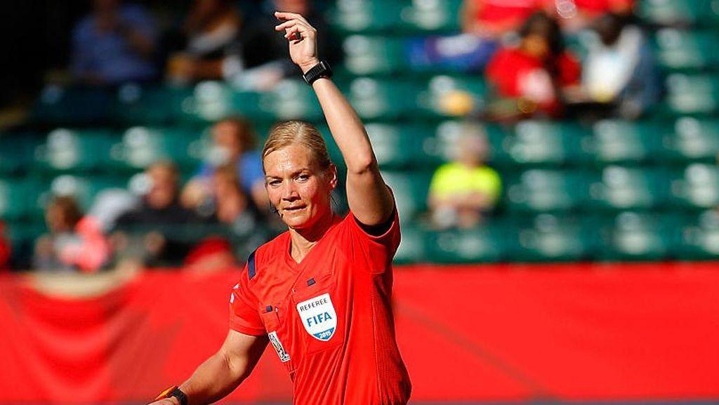Sosok Polwan Ini Akan Jadi Wasit Perempuan Pertama Bundesliga