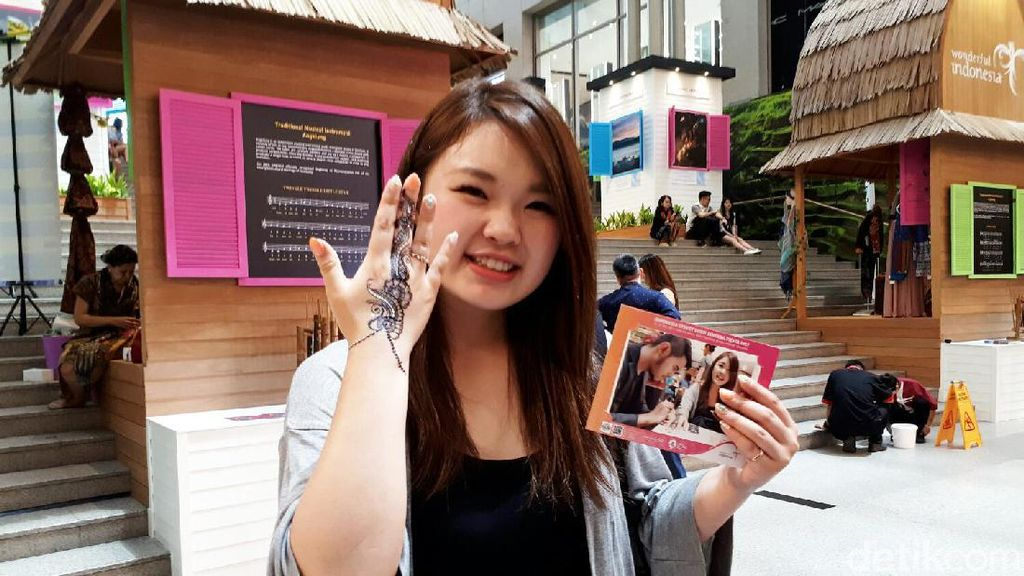 Henna yang Jadi Incaran Wanita di Indonesia Street Bukit Bintang Fiesta