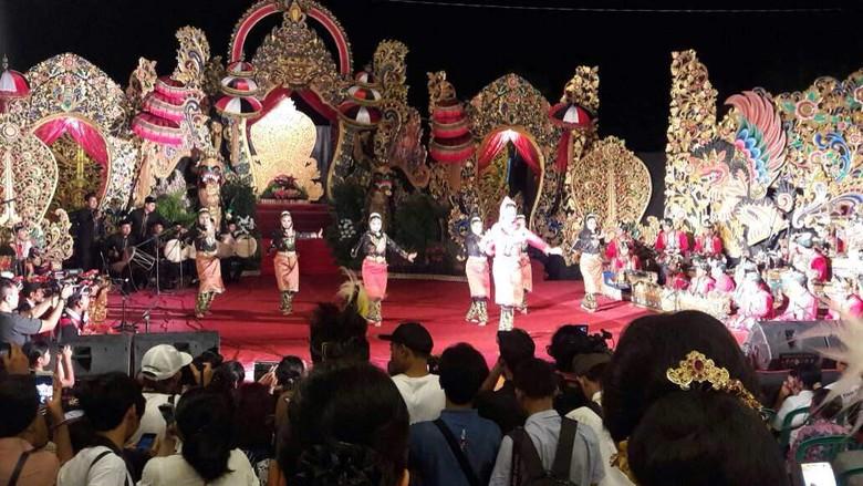 Kontingen Aceh pada malam pembukaan Pesta Kesenian Bali (dok Disbudpar Aceh)