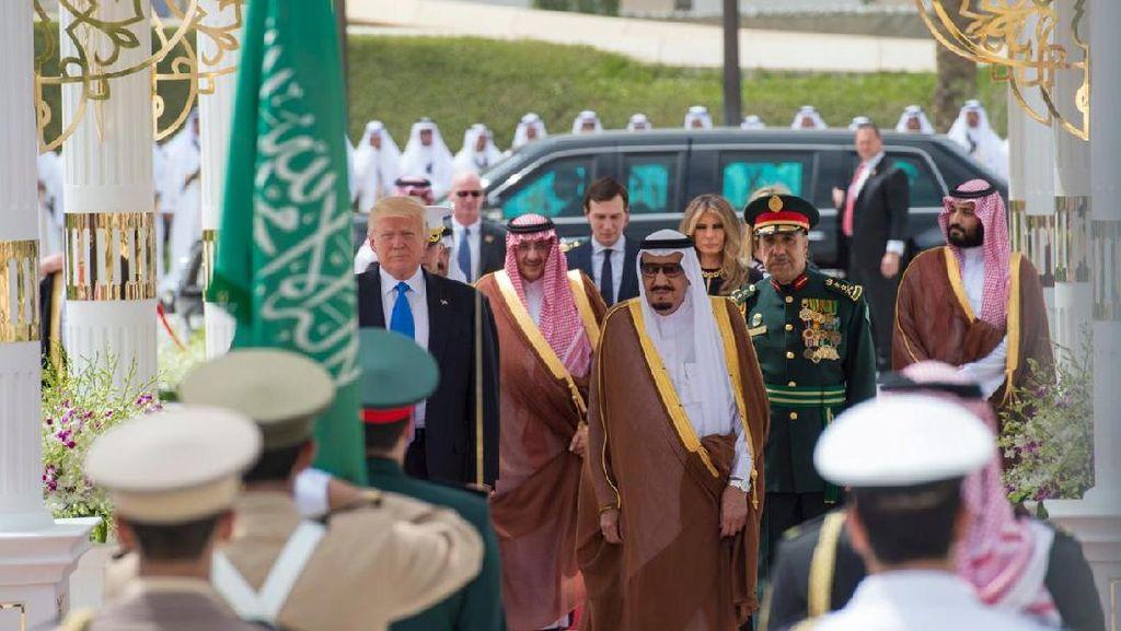 Trump Bertemu Raja Salman, Ada Deal Rp 4.650 Triliun