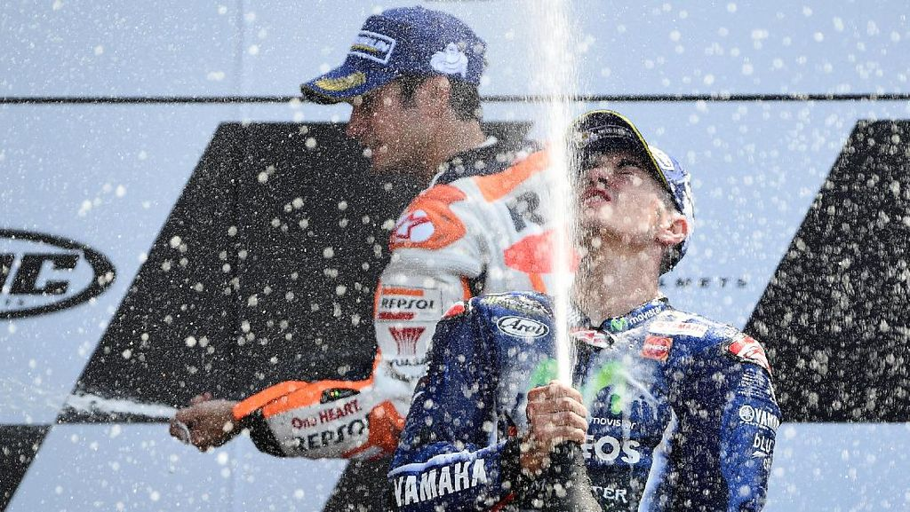 Video Highlight MotoGP Prancis: Vinales Menang, Rossi dan Marquez Crash
