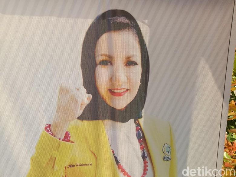 Rekam Jejak Rita Bupati Kukar - Jakarta KPK menetapkan Bupati Kutai Kartanegara Rita Widyasari sebagai tersangka dugaan Seperti apa sosok bupati yang dilantik pada