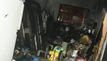 Gudang Sebuah Rumah Terbakar di Cipayung